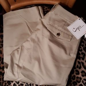 Dockers Capris Pants NWT
